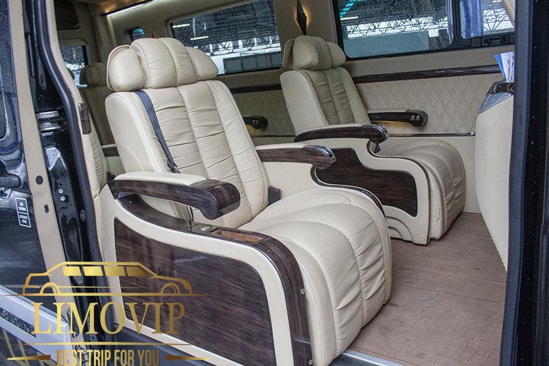 """Thuê Xe Limousine 10 Chỗ """"Giá Rẻ 2020"""" Tại TPHCM- Hãng Xe LIMOVIP"""
