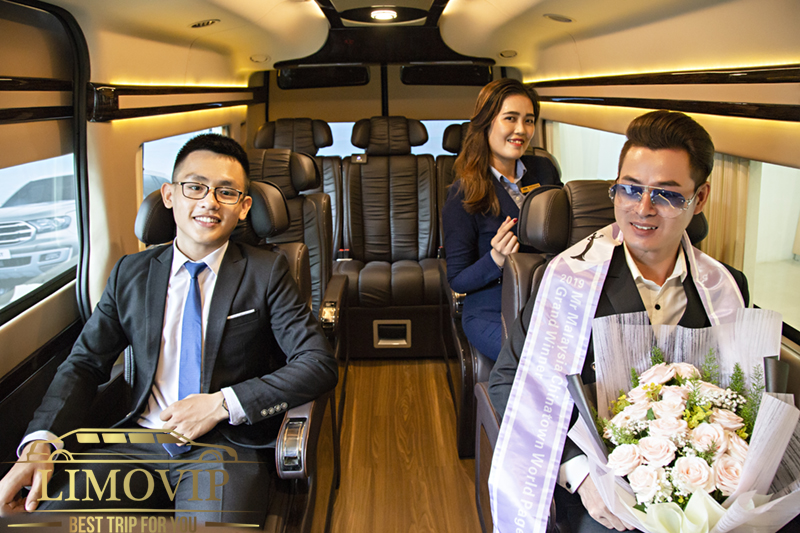 Cho Thuê Xe Ford Transit Limousine Dcar Tại TPHCM【0888.042.069】